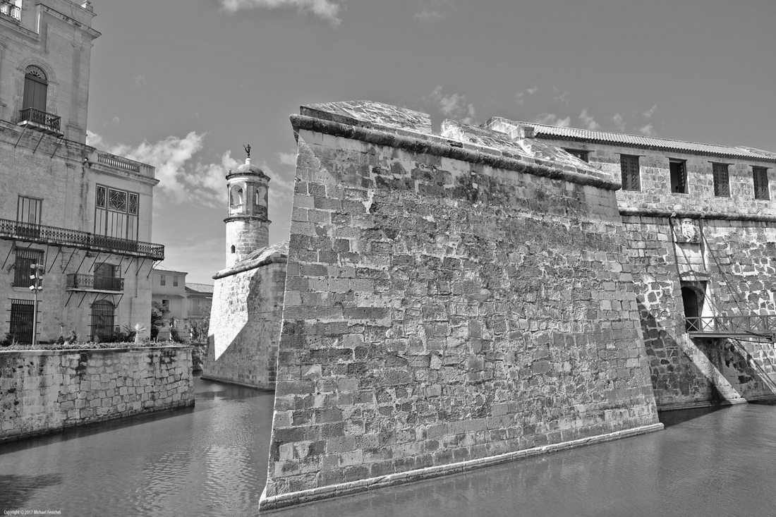 Castillo de la Real Fuerza - black & white
